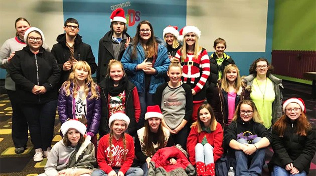 Junior High CACY Members Distribute Gifts