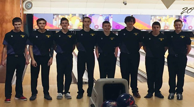 Boys Bowling Team Qualifies for District Tournament