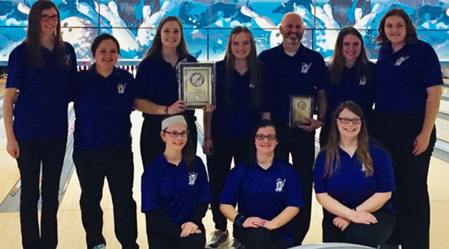 Girls Bowling Team Qualifies for District Tournament